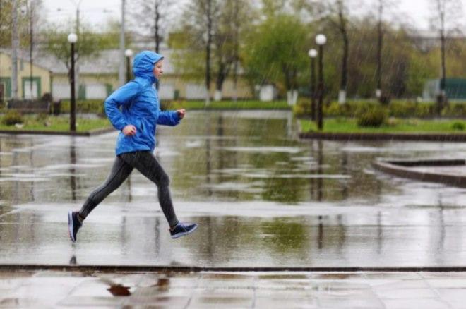 Por qué correr bajo la lluvia